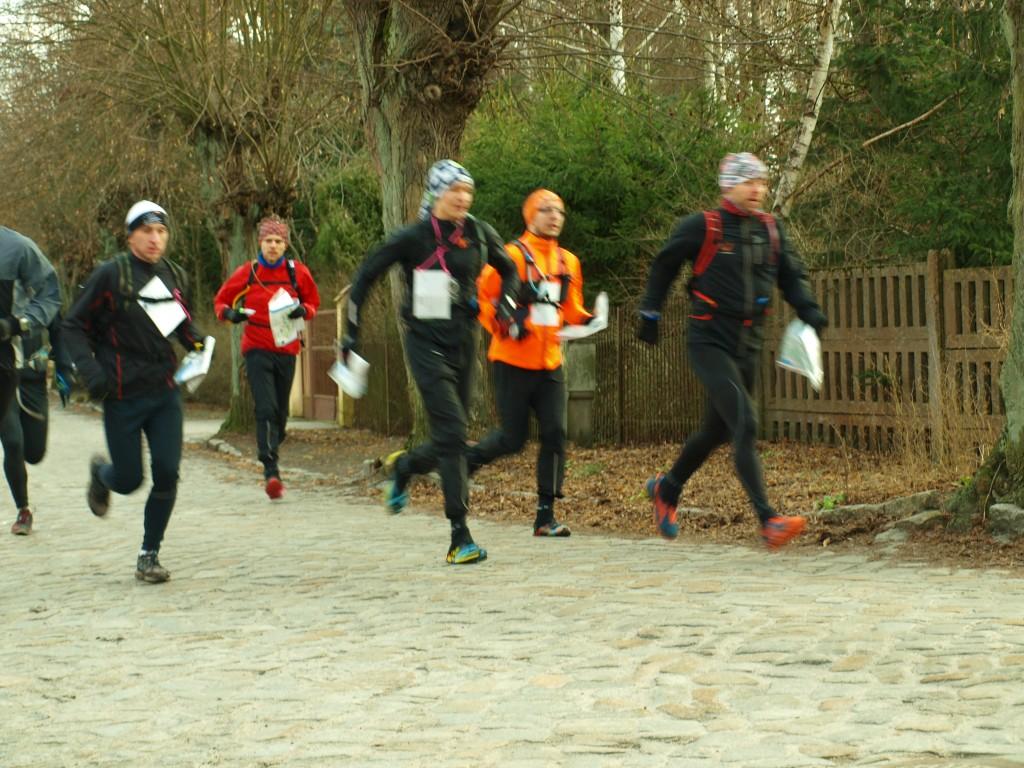 Najlepsi zawodnicy 50km trasę pokonują w tempie 5-6min/km