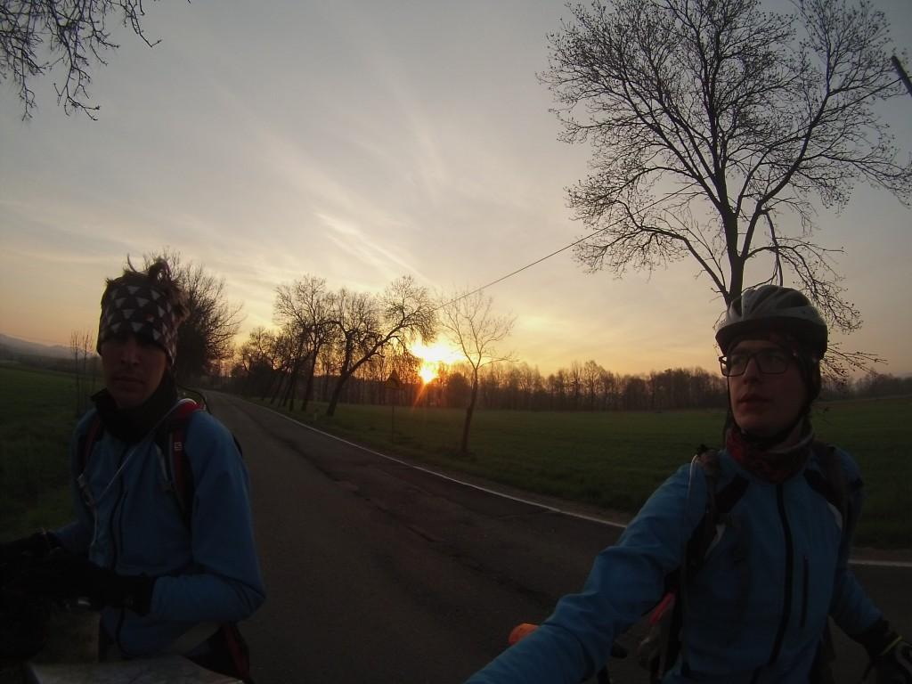 Słitka o wschodzie słońca