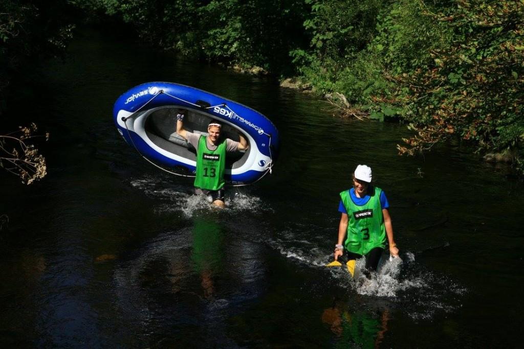 Mistrzowie sportów wodnych w akcji
