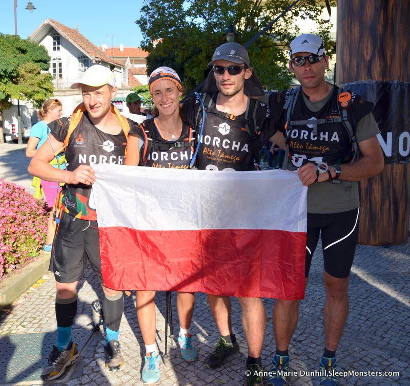OnSight na mecie. Dumnie,z Polską flagą.