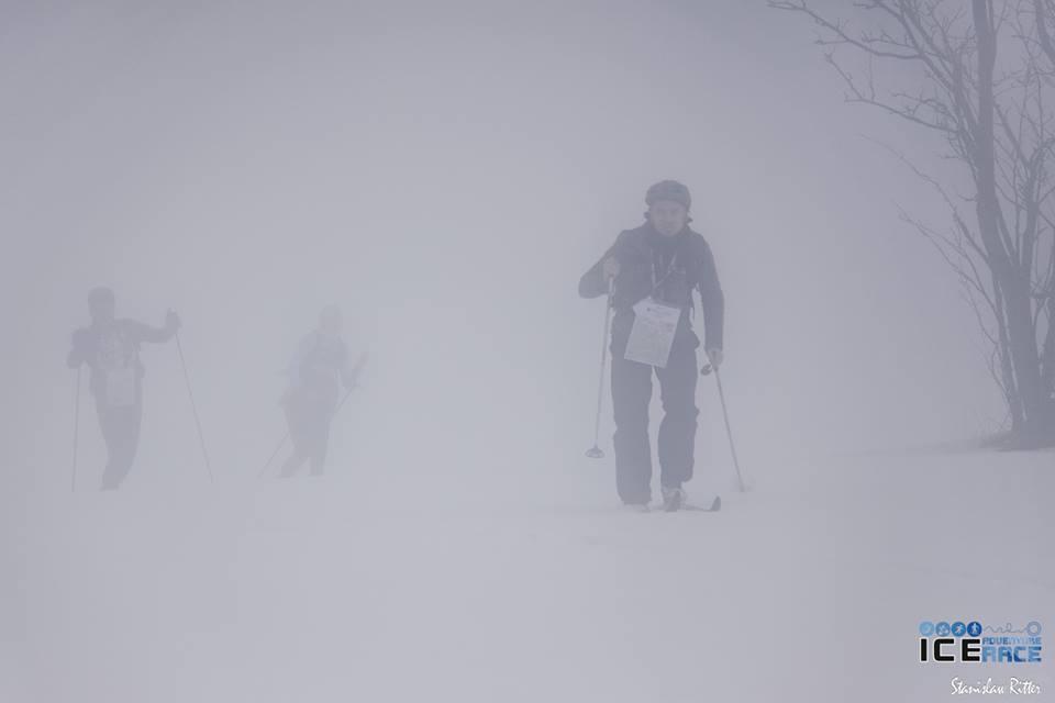 W takiej mgle nie nawiguje się najlepiej.